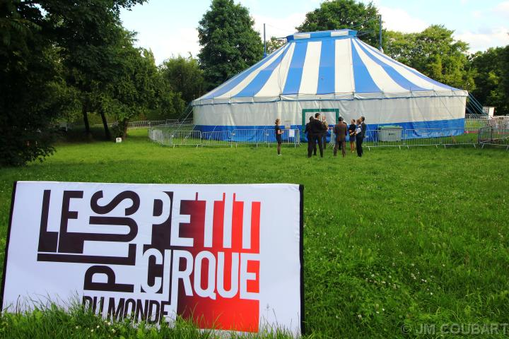 gandini juggling le plus petit cirque du monde bagneux. Black Bedroom Furniture Sets. Home Design Ideas